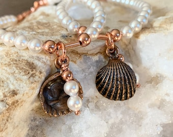 Two Pearls in a Clam Shell Friendship Bracelet Set (White)