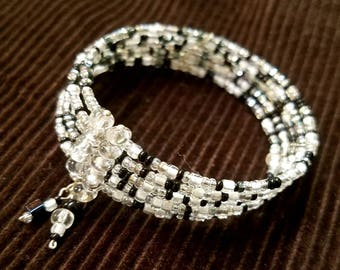 Glamorous Black & White Memory Wire Seed Bead Bracelet - Sparkle for Formal or Casual