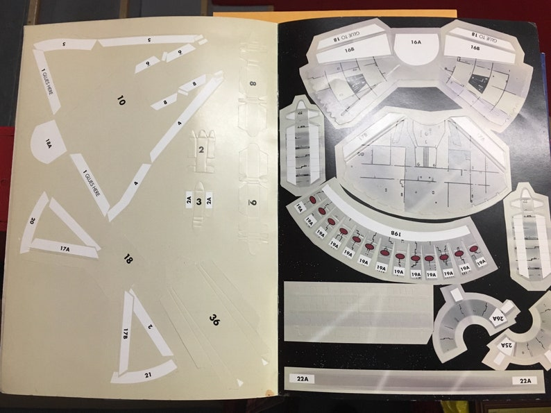 Star Wars The Millennium Falcon A Punch Out Flyers Book by Fun Works 1997 Excellent Condition Ready to Assemble