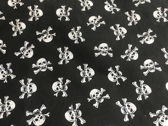 Black London London Fabric Printed 100/% Cotton Poplin Fabric.