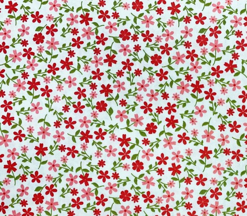 Vintage Like Ditsy Floral Design 100% Cotton Poplin Fabric