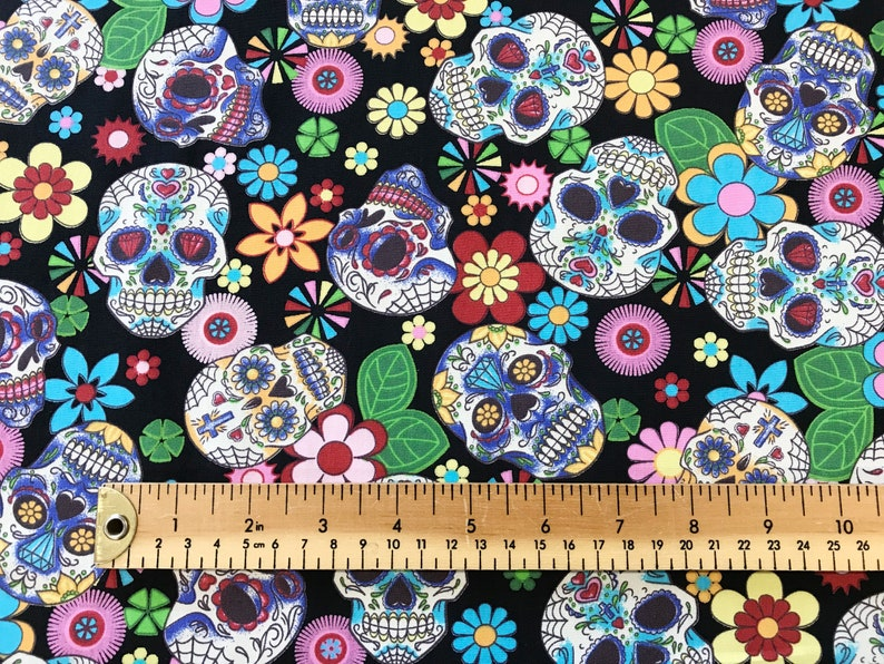 COTTON PRINTS IDEAL FOR ARTS  /& CRAFTS PROJECTS