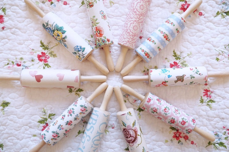 Vintage Shabby Chic Decorated Wooden Rolling Pin Cath Kidston image 0