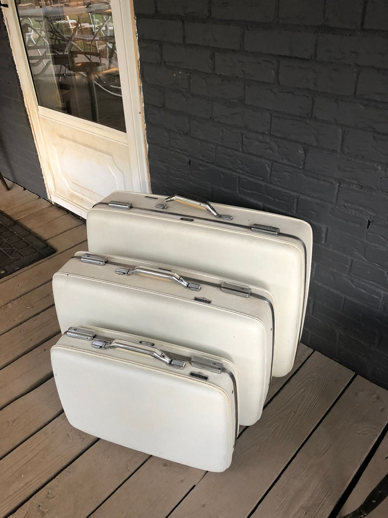 2f9151a1a Vintage 3 Piece White Luggage Set American Tourister Tiara   Etsy