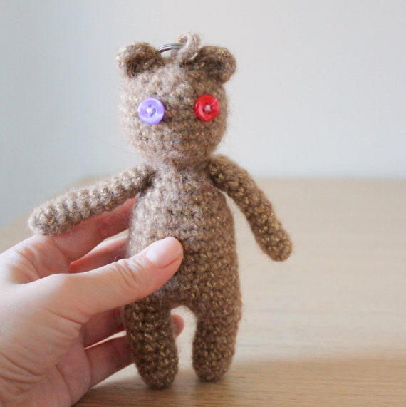 Orsetto Portachiavi Amigurumi Tutorial 🧸 Bear Crochet - Osito ... | 571x570