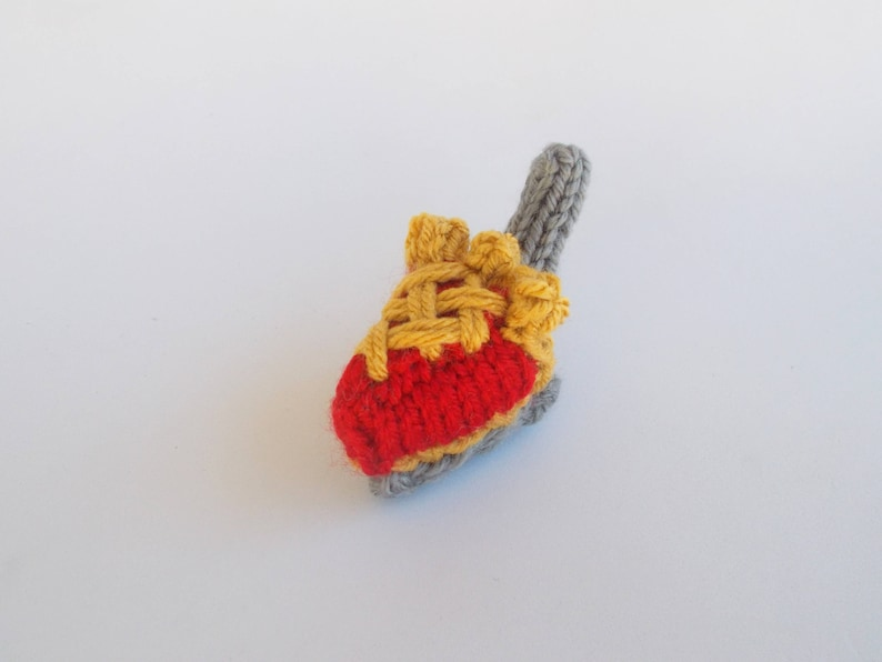 Mini Cherry Lattice Pie on Server Knitted Stuffed Ornament  image 0