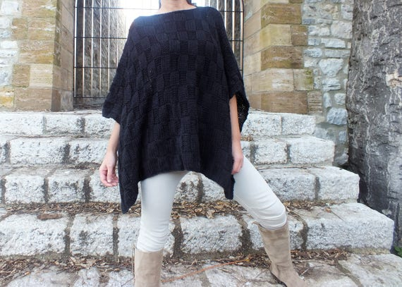 ad1449909d538 Black Poncho Oversized poncho Pattern knitted poncho Wool