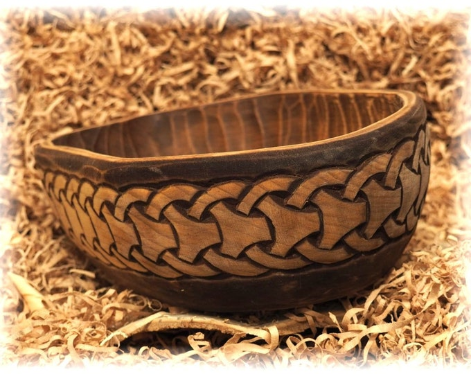 Historical Hand Carved Wooden Bowl with Borre pattern from Wolin, XI c. fruit bowl, decorative bowl, hand-crafted bowl viking decor medieval
