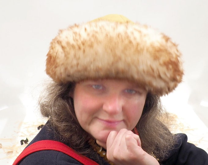 Viking green wool hat, hand sewn, wool and sheep, larp, medieval, sca, unisex hat, Woolen headdress viking fur Mongol Slavic Viking clothing