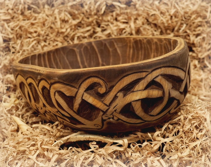 Historical Hand Carved Wooden Bowl with Urnes dragons from Norway, XI c. fruit bowl, decorative bowl, hand-crafted bowl viking medieval