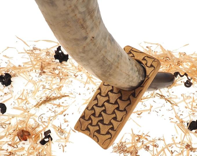 Wood Drinking Horn Holder with Borre pattern, Hand Carved, Table top Viking horn holder, Travel drinking horn holder, wedding gift,