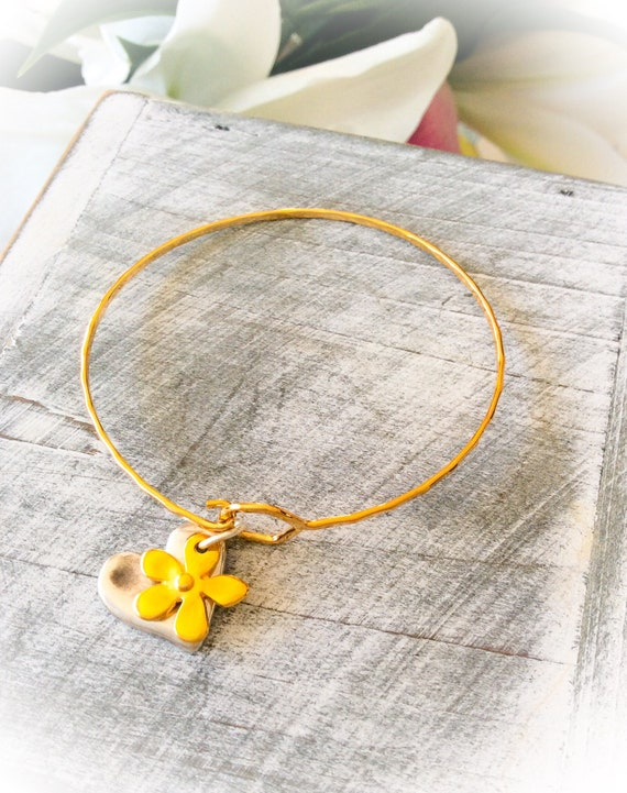 Charm bracelet, daisy flower bangle, gold bangle, thin bracelet, yellow gold bangle, rose gold, hammered bangle, skinny everyday bracelet,