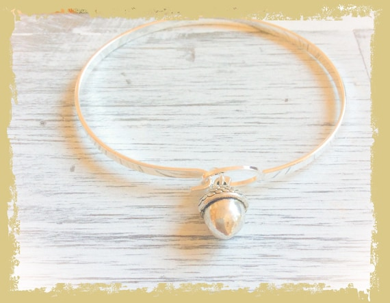 Silver acorn bangles, acorn bracelet, silver acorn jewellery, bridesmaid gift, silver jewellery, autumn bangle, nature lover bracelet