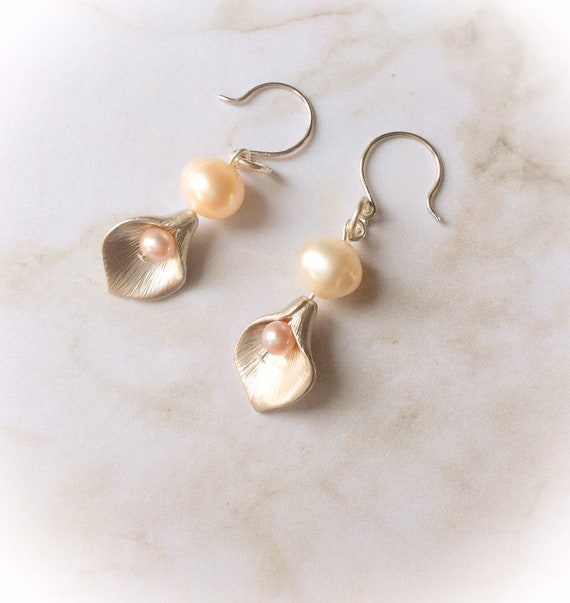 cala lily earrings, bridesmaid gift, pearl drop earrings, everyday earrings, party style earrings, wedding jewellery, earrings for bride