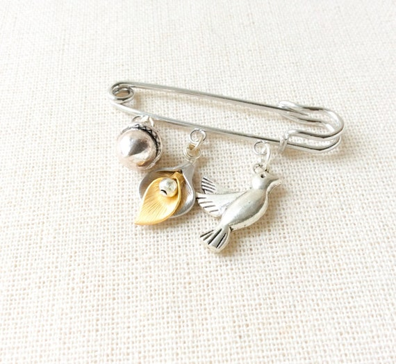 Safety pin brooch, pin brooch, gift for grandmother, gift for friend, statement brooch, scarf brooch, gift for friend, unique gifts