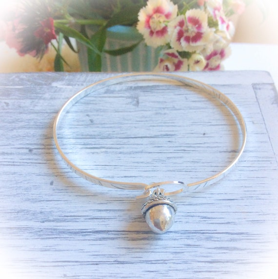 Silver acorn bangles, acorn bracelet, silver acorn jewellery, bridesmaid gift, silver jewellery, autumn bangle, nature lover bracelet
