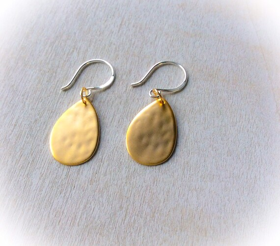 Gold earrings tear drop, minimalist earrings, gold jewelry, christmas gift for her, earring gift for her, dainty jewelry,