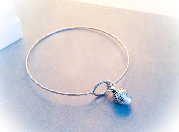 Silver acorn bangle, 21st birthday gift for her, silver bangles, bangles for women, new job gift, everyday bangle, woodland nature bangle,
