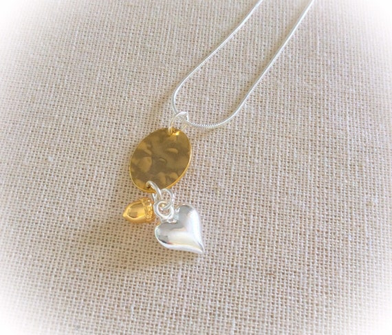 Acorn necklace, acorn jewelry, nature necklace, heart pendant, gift for sister, mum gift, bridesmaid jewellery, birthday pendant