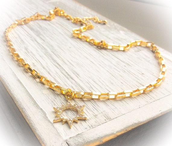 Chunky gold necklace, sunburst pendant, summer layering necklace, sun necklace, gift for mum, gold sun jewellery, thick gold necklace,