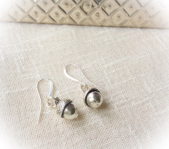 Silver acorn earrings, silver earrings, sterling silver earrings, presents for her, birthday gift, mum gift, friend gifts