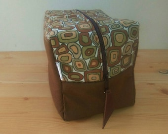 Toiletry bag,zippered pouch,toiletry pouch,travel bag,brown pouch,makeup bag,make up pouch,black troiletry bag,zippered bag,cosmetic bag