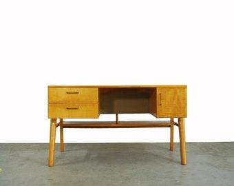 Vintage years 60 birch wood desk/Dutch design