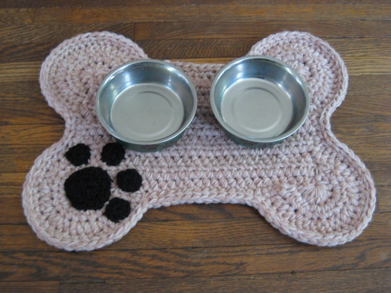 Crochet PATTERN  Dog Bone Placemat Pet Food Bowl Floor Mat image 0