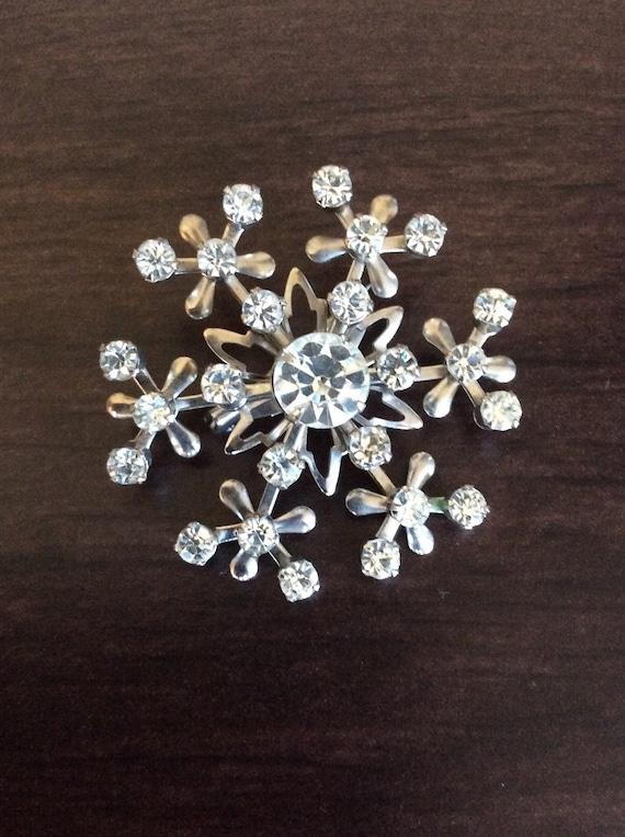 Christmas Snowflake Shiny Crystal Rhinestone Brooch Pin Jewelry