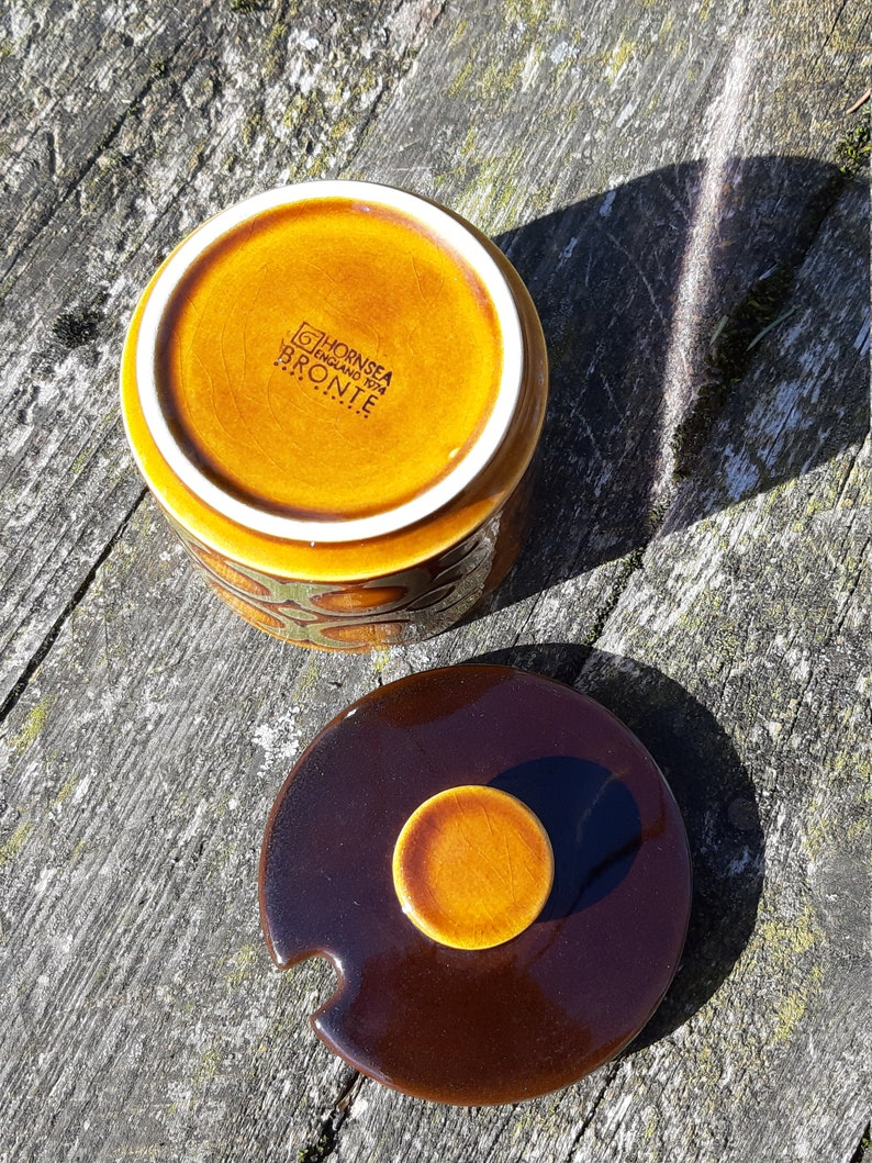 Hornsea Bronte collection brown ceramic pot sugar pot vintage retro style 70s decor retro kitchen made in England English ceramic