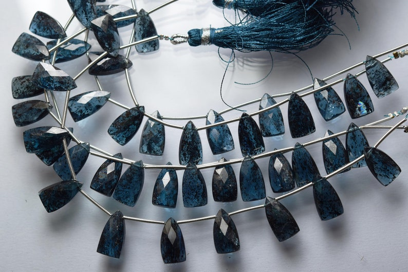Size 15x8mm Rare Natural Teal Blue Moss Kyanite Faceted Pyramind Briolettes 5 Pieces