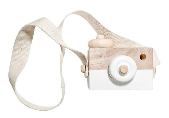 Wood Camera Toy - White Wood Camera - Wooden Toy - Free Play - Montessori Waldorf Camera - Natural Wood Toy - Girl Boy Birthday Gift