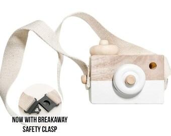 Wood Camera - White Wood Camera - Wooden Toy - Free Play - Montessori Waldorf Camera - Photo Prop - Girl Boy Birthday Gift