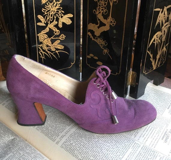 1920s/1930s Purple Suede Lace Up Heels