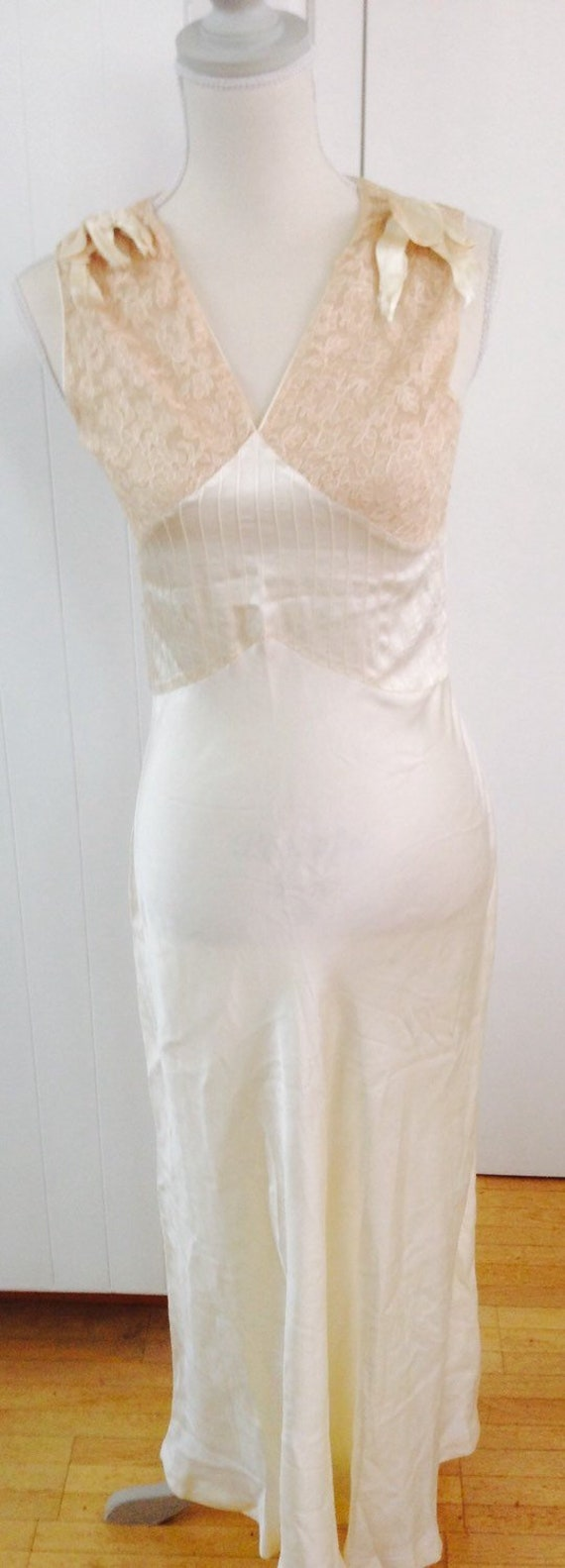 Vintage lingerie 1920 Silk and Lace