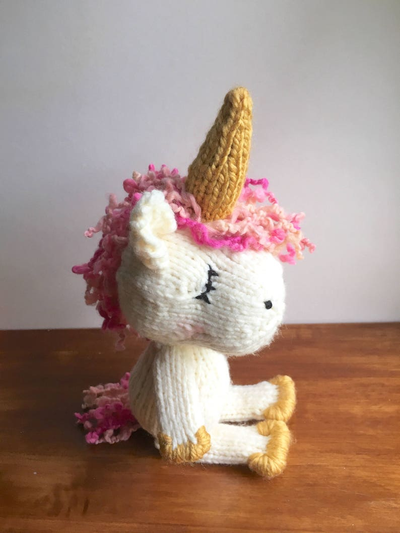 Ravelry: Tiny unicorn amigurumi pattern by Ahooka Migurumi   1059x794