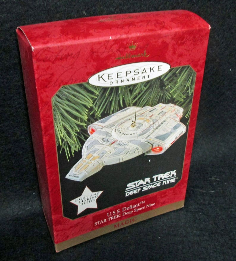 Hallmark Ornament, U S S  Defiant, Star Trek, Deep Space Nine, Mint  Condition, never used or displayed, in the box 1652aB-6