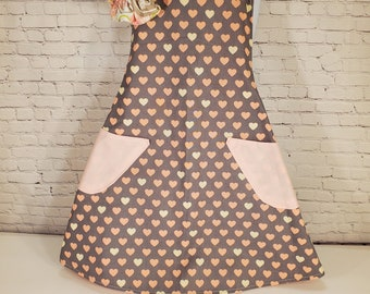 Child's Apron | Girls Apron | Size 7 - 8 | Gray with pink hearts