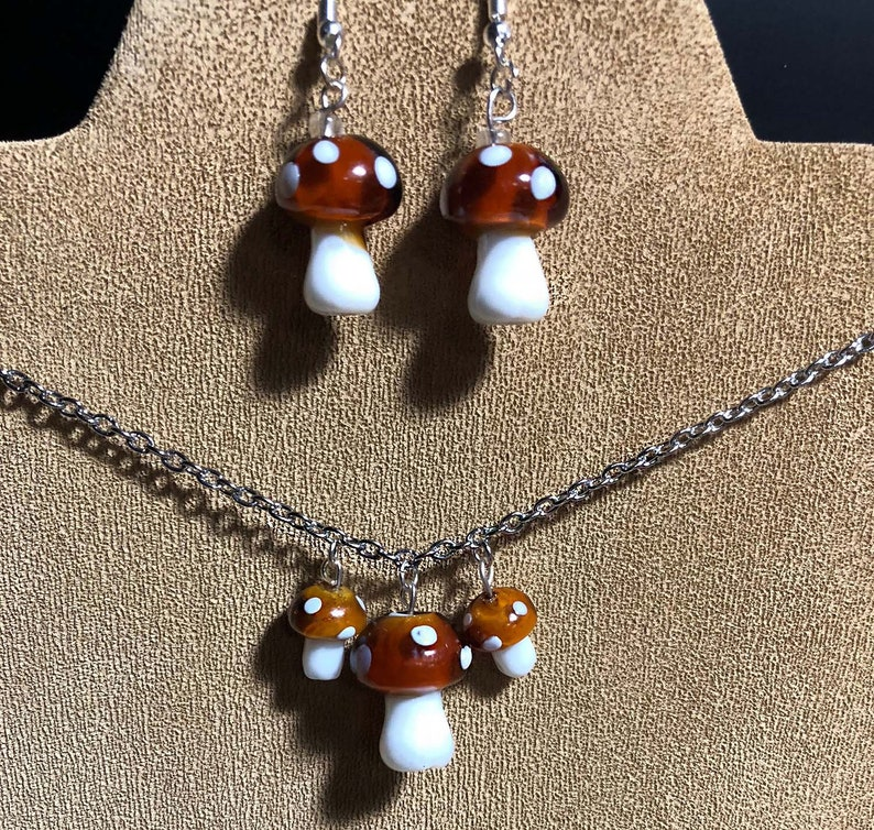 Rockabilly retro vintage Mushroom necklace and earring set image 0