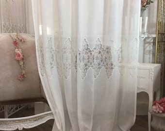 Linen tent and pure white embroidery