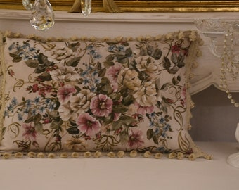 "Cushion with handrail ""the flowers of art nouveau"""