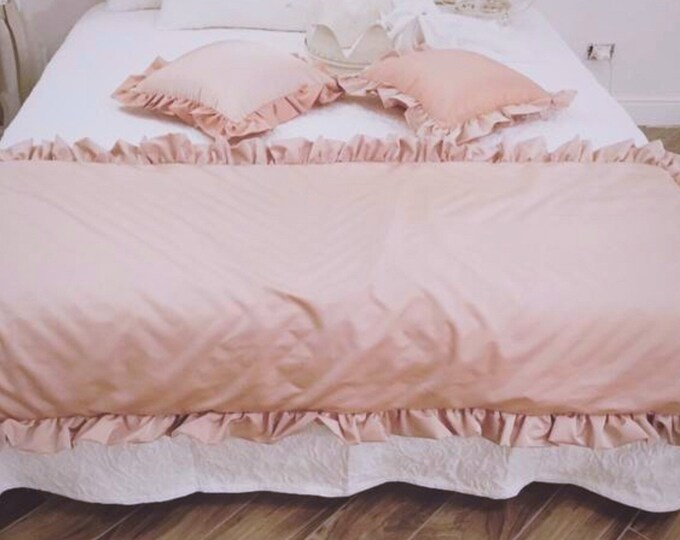 Pink taffeta bed runner