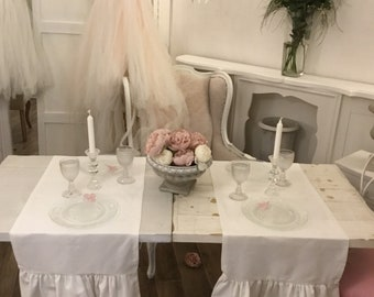 Table Runner with romantic ruffles on the table