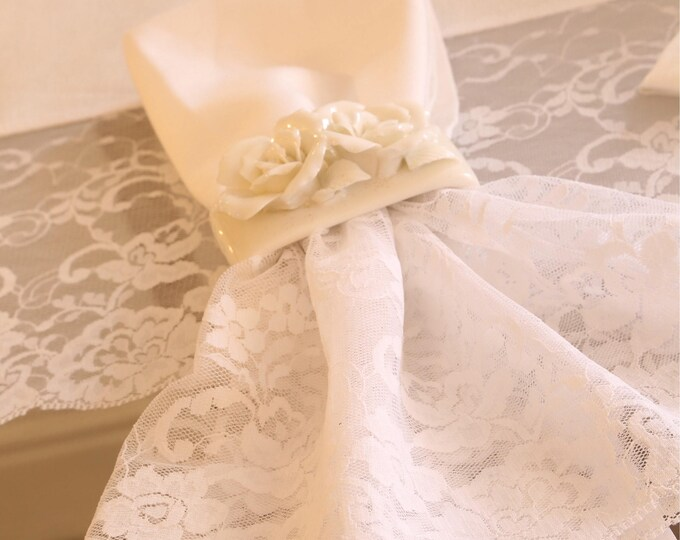 "Set of 6 cotton napkins and total white lace collection ""The Princesses"""