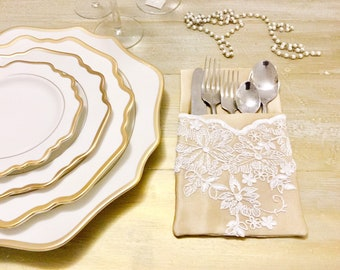 Chic cutlery tray in gold and lace