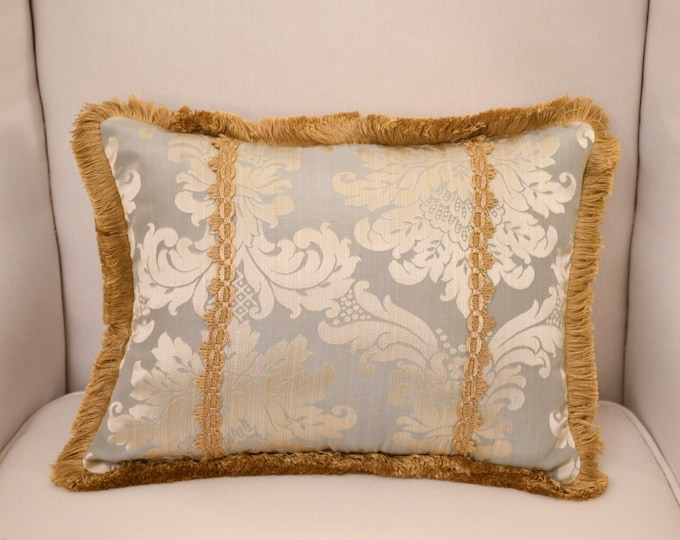 """Cushion Damascus blue collection """"Royal Style"""" with toothbrush"""