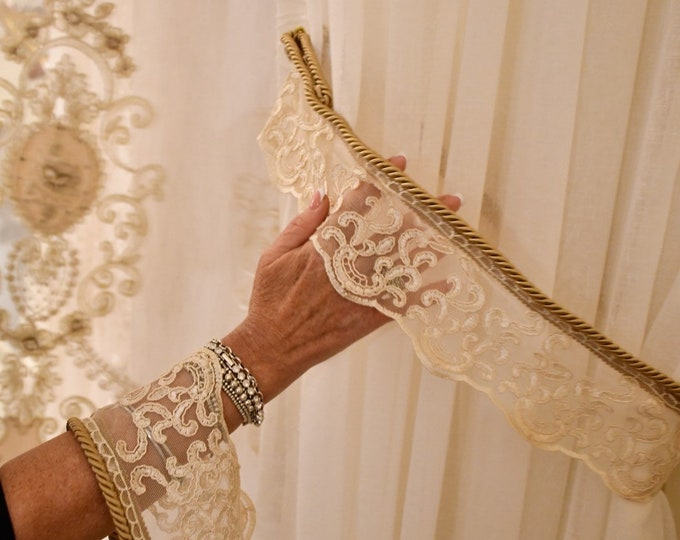 Embrasse for precious lace curtains