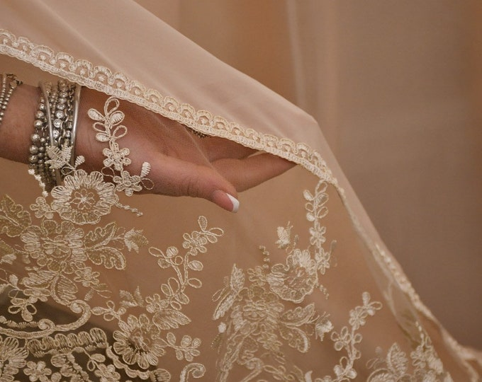 Curtain in pink georgette and precious lace Made in Italy