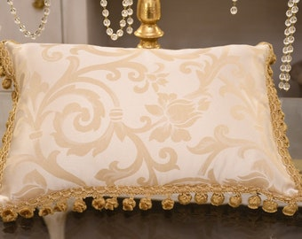 """""""Imperial"""" damask cushion with gold onion"""