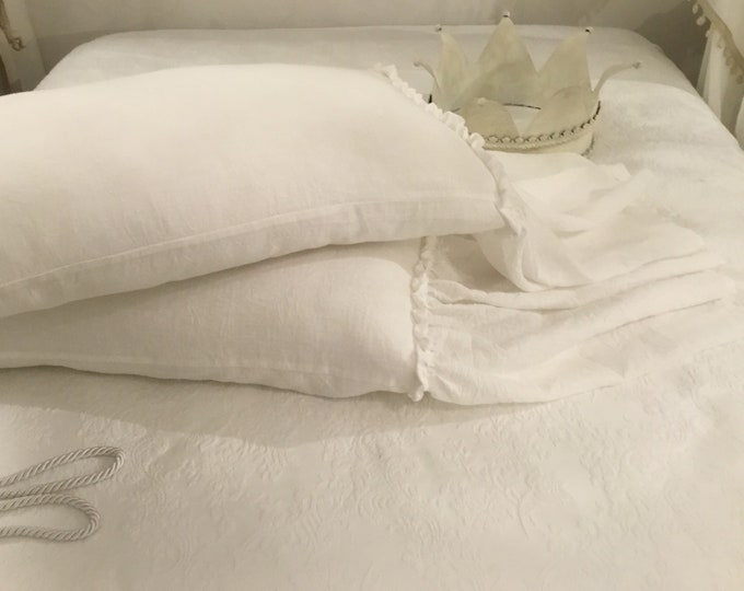 Natural chic White Pillow Covers